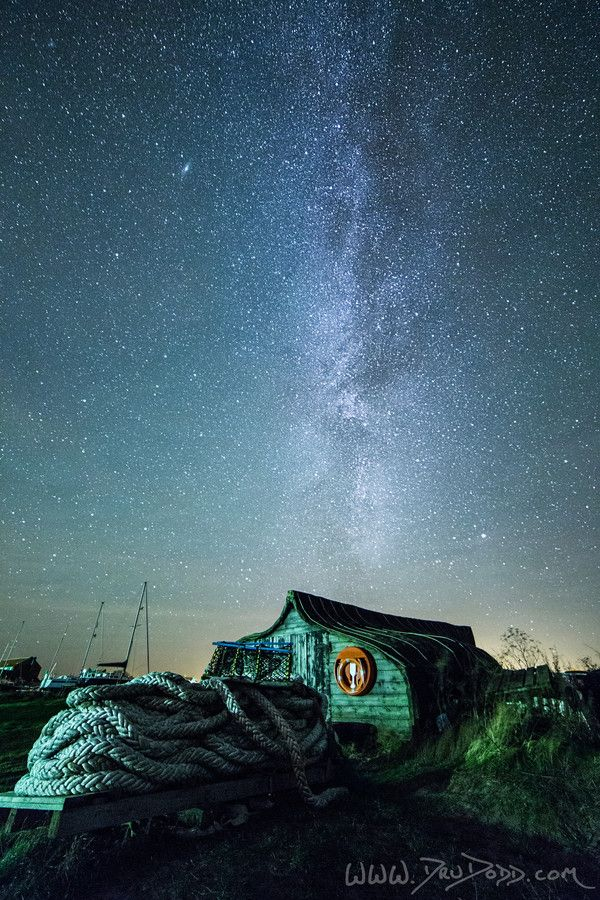 Holy Light - Holy Island of Lindisfarne - Northumland - England http://visitnorthumberland.com/darkskies