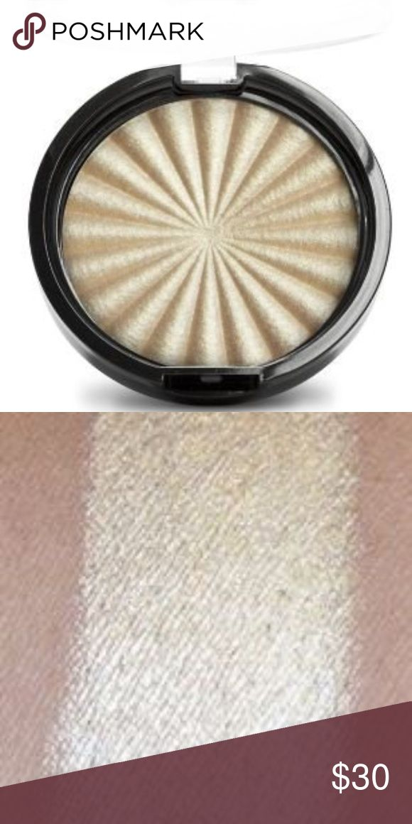 Ofra Rodeo Drive Highlighter Versatile and universally flattering sun-kissed golden shade [10 gram].  No box - opened but never been used. OFRA Makeup Luminizer