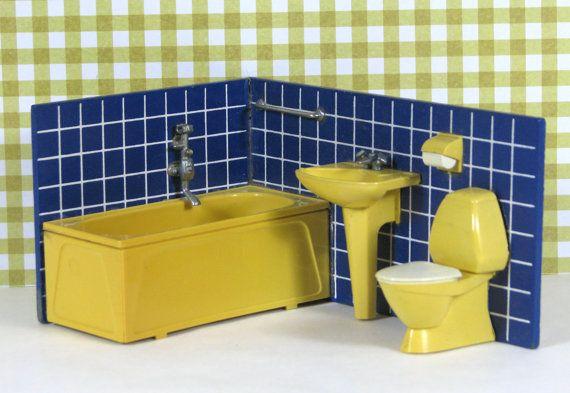 Doll house vintage bathroom sink tub toilet by RosesAndRainbowsDK