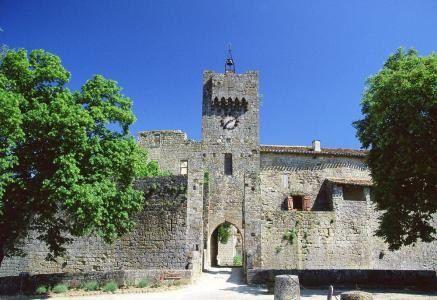 """Larressingle est la """"petite Carcassonne"""" du Gers"""