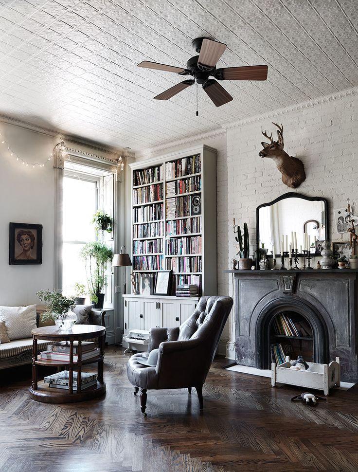 För nästan exakt tre år sedan publicerades ett hemma hos-reportage utöver det vanliga i ELLE Decoration. Det var från musikern Nina Perssons magiskt vackra hem i New York och trots att det har...