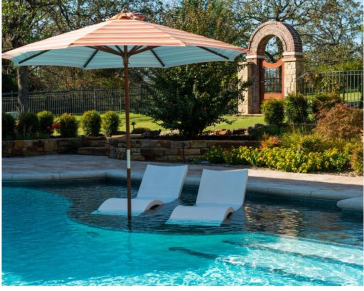 Chaise lounge for sun shelf outdoor spaces pinterest for Pool design with sun shelf