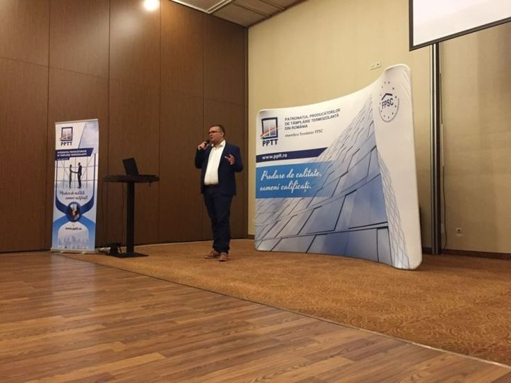 """Ne vedem joi la conferința """"Specialiştii ferestrelor, faţadelor şi sticlei"""" din București să discutăm despre soluții de evacuare în caz de urgență și protecție la incendii cu uși și ferestre acționate automat."""