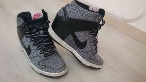 Resultado de imagen para zapatillas nike botitas con taco
