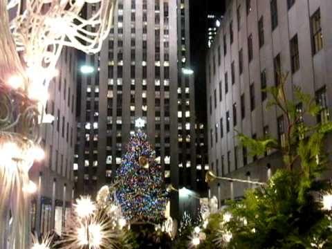 NUEVA YORK ▶ ENCENDIDO DEL ARBOL DE NAVIDAD DEL CENTRO ROCKEFELLER EN 2010 . Manhattan. (HOY, 3 DIC 2013, CON 17 MIL 900 VISITAS, Y EN AUMENTO). VIDEO PUBLICADO POR ARTUR CORAL, EL 1 ENE 2010. - YouTube
