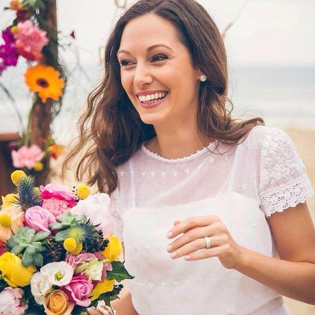 A colourful wedding on Noosa Beach!