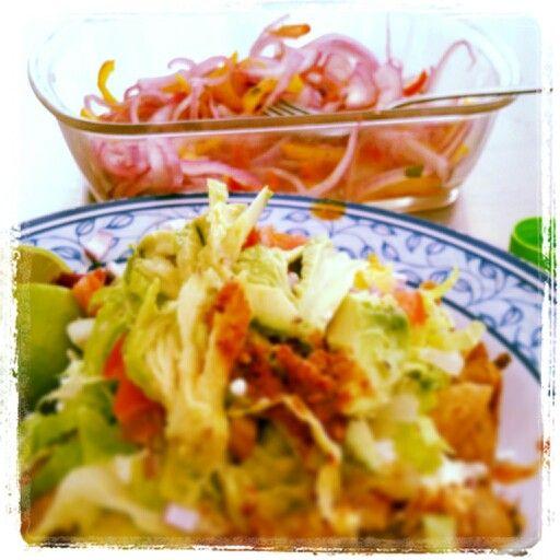 Tacos dorados de res y chile habanero