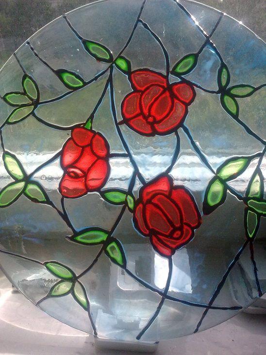 Работа со стеклом: тарелка три розы (витраж, роспись по стеклу) ФОТО #4