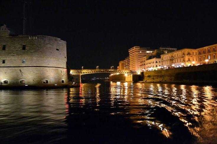 Se ti stai chiedendo cosa fare a #Taranto e dintorni, ecco ben 17 emozionanti mete tra leggende, storia, arte, natura e tanto mare! Scopri di più: http://www.mediterraneotour.it/cosa-taranto-dintorni-17-imperdibili-tappe/