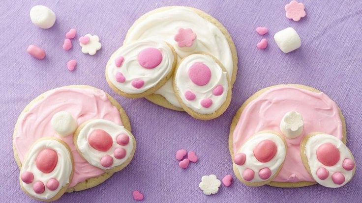 How cute are these Bunny Butt Cookies and they really couldn't be easier! We've included Easter Cake Balls and Bunny Tail Cake Bakes for you to check out as well.