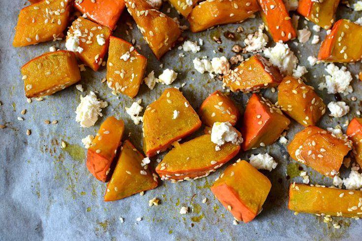 Pečená dýně se sezamovým semínkem - skvělá večeře nejen pro zimní večery.