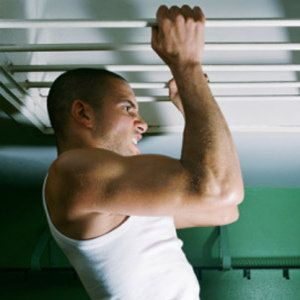 5 steps to become a pull-up pro - master the pull-up :: Men's Health