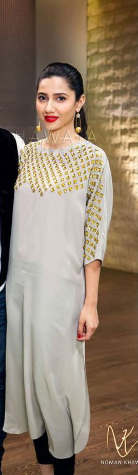A great idea to add gold spikes on your plain kurta
