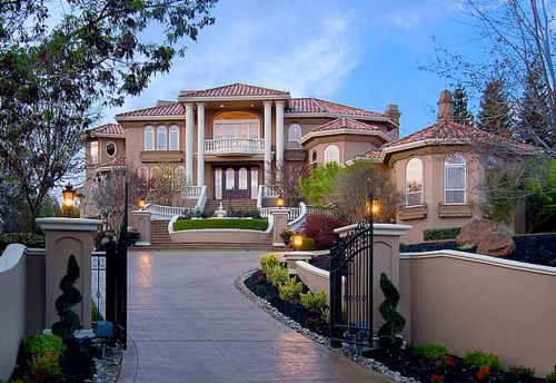 house: Future Houses, Dreams Mansions, Dreams Home, Dreams Houses, Driving Way, Driveways, Sweet Home, Home Exterior Design, Dreamhous