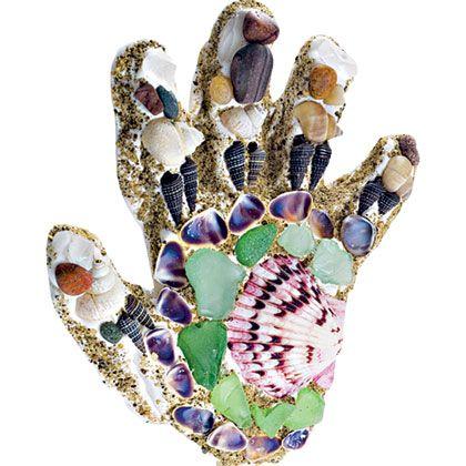 Sandy Hand Mosaic: Summer Crafts, Crafts Ideas, Crafts Kids Mosaics, Sandy Hands, Beaches Treasure, Hands Mosaics, Kids Mosaics Crafts, Parties Ideas, Sea Glasses