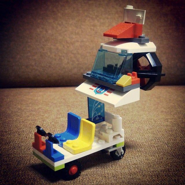 娘LEGO「スクリューカー」 ─ パーツ使いもバランスも独創的すぎるだろ。