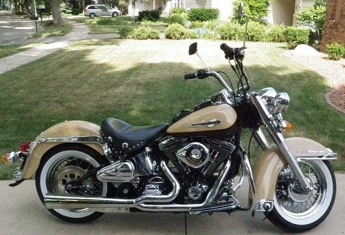 1999 Harley-Davidson® FLSTC Heritage Softail® Classic - 64,000 miles - Negotiable pricing - Located in Madison, WI - See more photos => http://www.chopperexchange.com/1999-FLSTC-Heritage_Softail_Classic-296871?utm_source=pinterest_medium=board_campaign=bike296871