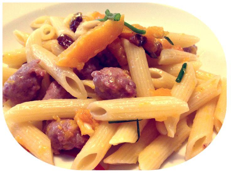 Penne con la zucca e salsiccia #pasta #zucca #ricetta #autunno #pinalapeppina