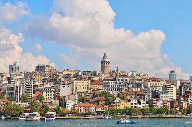 Embarcate con Pullmantur en el crucero Islas Griegas y Turquía: desde Atenas a Estambul pasando por las islas de Myconos y Santorini, y la hermosa costa turca.