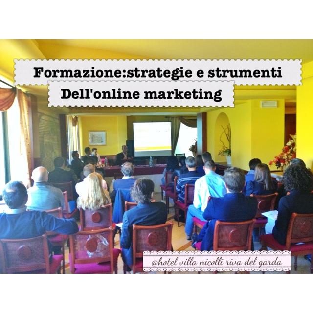 Seminario sull'online marketing e web marketing con Ideaturismo e zeppelin group.