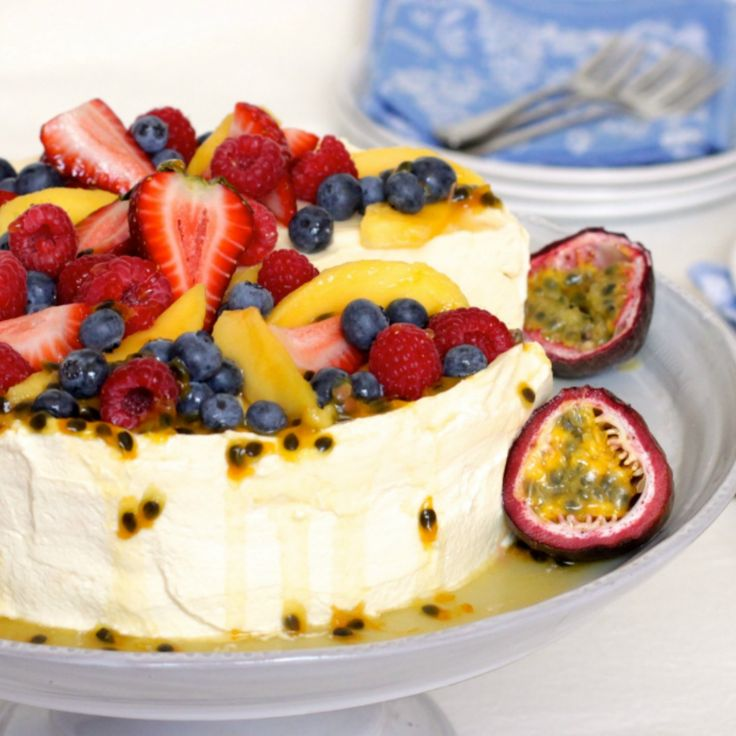 Ave some pav! Check out this Passionfruit Cheese-Lova