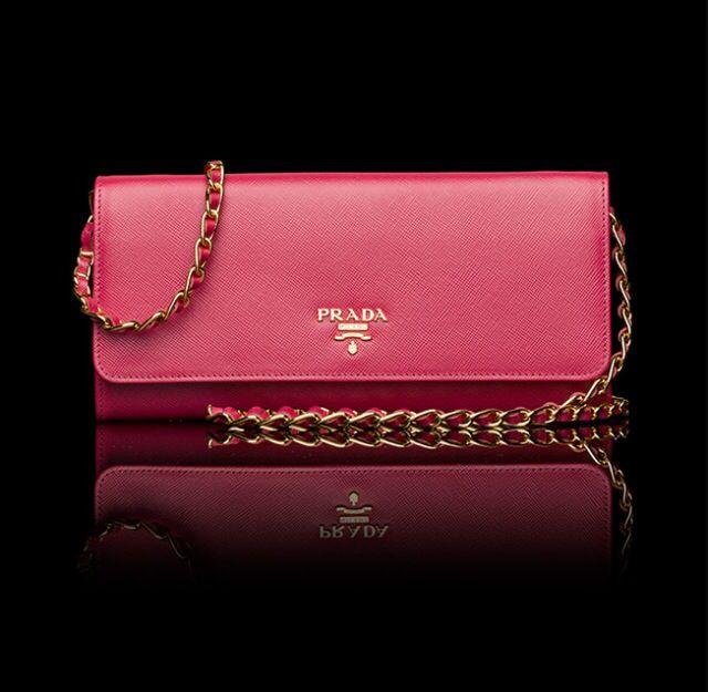 ?   GOT IT ?  | Prada wallet on chain. Peony pink | L I S T ...