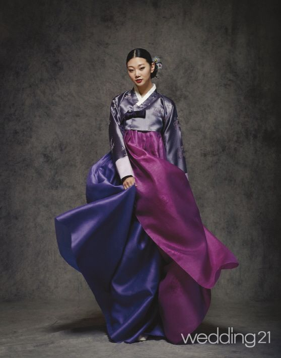 Layered 한복 Hanbok / Traditional Korean dress