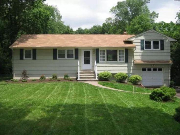 102 Robbins Rd Branchburg Twp., NJ Caldwell Banker has a cozy home here. Omg do you see that yard!!!