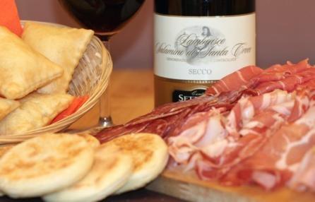 Tigella's in viale Corsica.  Un ristorante ispirato alla cucina emiliana dove gustare le crescentine con salumi e formaggi come parmigiano, stracchino e gorgonzola dolce. Menù anche per celiaci e intolleranti al lattosio