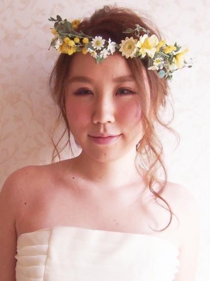 """世界で一つ「私」だけの花冠&ヘッドドレスのブライダル・ウェディング通販サイト。幸せな花嫁さまの笑顔を願って、こだわりのヘアメイクアーティストが一つ一つハンドメイドで仕上げています。アルモニの花冠・ヘッドドレス・リストレットで""""カワイイ""""のスパイスを...。"""