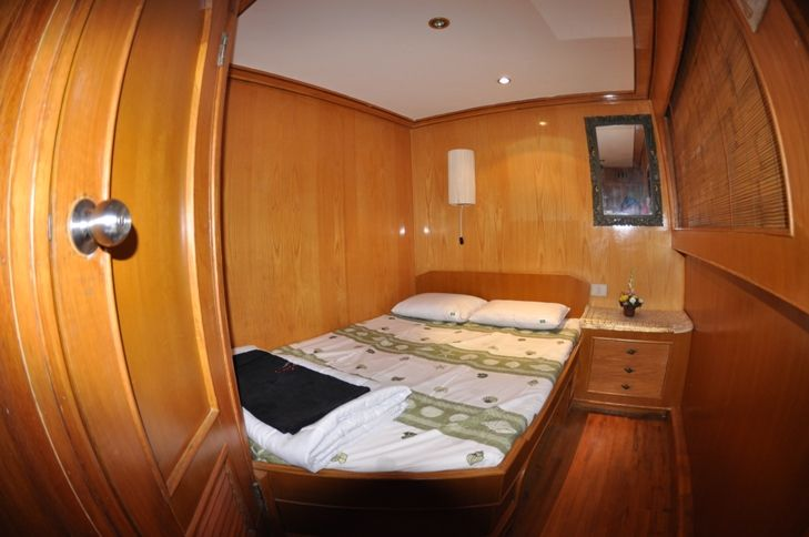 Double bed configuration cabin