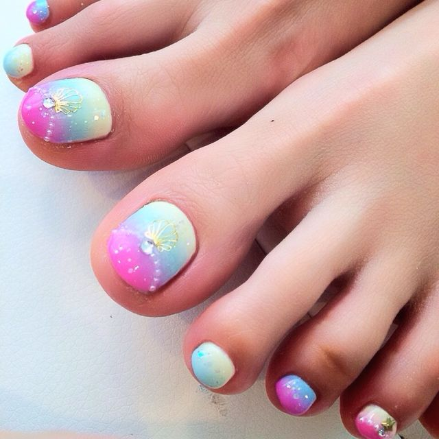 Summer toenails design. #1 shopping tip GoGetSave.Com you will be glad to know!