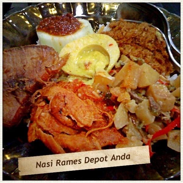 Nasi Rames: Telur, Sambal Goreng Hati Rempela, Empal, Ayam Bali, Manisa #IndonesianFood #Mojokerto