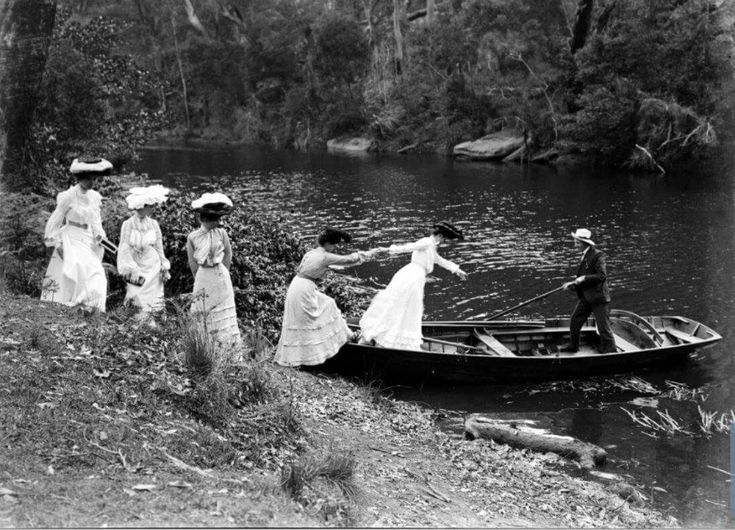 Deep Creek at Narrabeen,in the Northern Beaches region of Sydney in 1890.Deep Creek located along Wakehurst Parkway and Narrabeen Lagoon. •State Library of NSW•