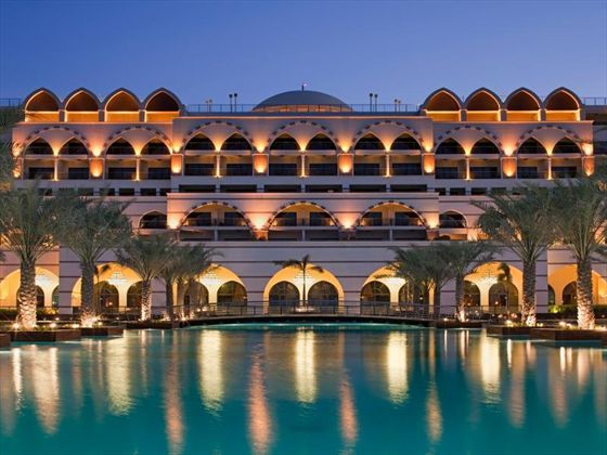 Located on the western crescent of The Palm, this lavish resort shows off the resplendence that Dubai is famous for. Inspired by the decadent imperial palaces of the Ottoman Empire, Jumeirah Zabeel Saray is the true definition of luxury.