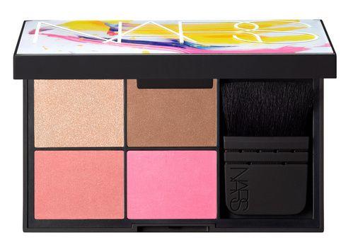Beauté : les palettes de maquillage de l'été 2015 de Nars, blush http://www.vogue.fr/beaute/buzz-du-jour/diaporama/les-kits-arty-de-nars/21088
