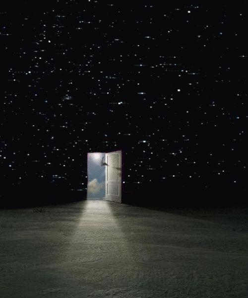 """""""Tengo mi propia versión del optimismo. Si no puedo cruzar una puerta, cruzaré otra o haré otra puerta. Algo maravilloso vendrá, no importa lo oscuro que esté el presente"""". ― Rabindranath Tagore."""