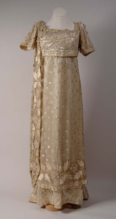 291 best regency costumes images on pinterest for 1800 style wedding dresses