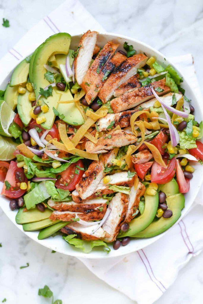 Suroeste barbacoa ensalada de pollo |  foodiecrush.com |  Frijol Negro Ensalada de pollo |  La cena ensalada |  Ensalada de CPK