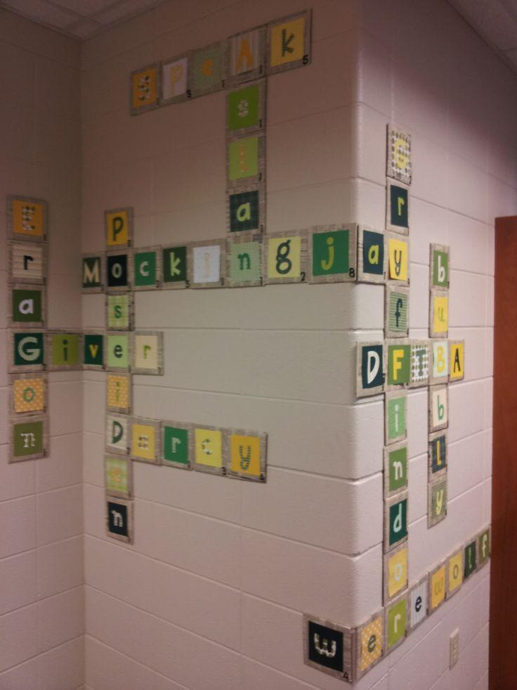 pour mon mur des prénoms de la classe. Idée pour l'an prochain, faire des mots croisés.