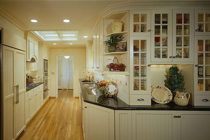 Кухня, сказочные Камбуз Дизайн кухни, украшенные в современном стиле с использованием белого кухонного шкафа и черный Кухня Прилавок ~ камбуз дизайн кухни, как внутренних Вдохновение для Современный интерьер кухни