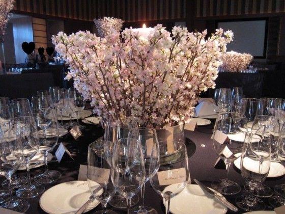 以前、ペニンシュラのブライダルフェアにいった際に出会った、 桜のテーブル装花♡  &nbsp