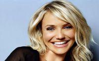Όπως ανακοίνωσε το τηλεοπτικό δίκτυο NBC, παρουσιάστρια του Saturday Night Live στις 22 Νοεμβρίου, την ημέρα της γιορτής των Ευχαριστιών για τους Αμερ...