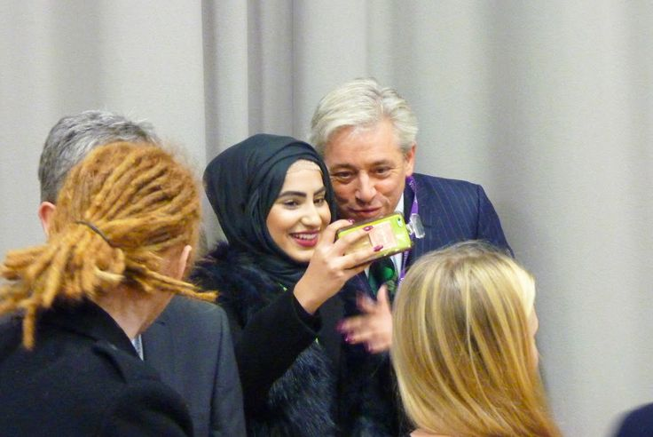 Some of our Business students had the pleasure of meeting the Right Honorable John Bercow, Speaker of The House of Commons at Beckfoot School. Mr Bercow even posed for a few selfies with our students.