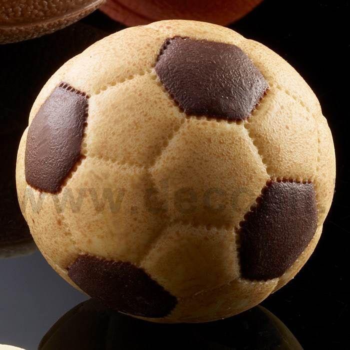 Stampo per #pallone da #calcio di cioccolato, pallone calcio pasta di zucchero. Stampo 3D in silicone per palla calcio cioccolato, palla calcio pasta di zucchero. #euro2016