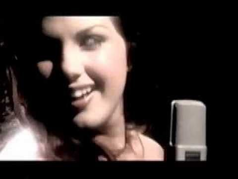 best song ever sung by the amazing jane monheit! We use to sing together in high school ! Amazing!