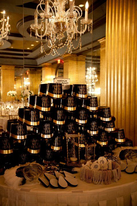 25 best ideas about new years wedding on pinterest new years eve nye 2016 and new years party. Black Bedroom Furniture Sets. Home Design Ideas