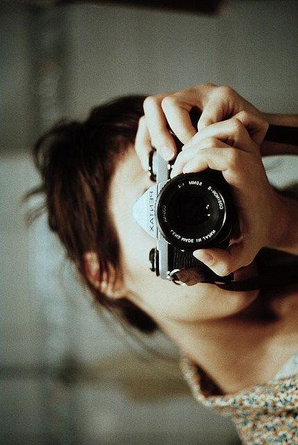 ★彡(*☻-☻*)                                                  Camera Girl