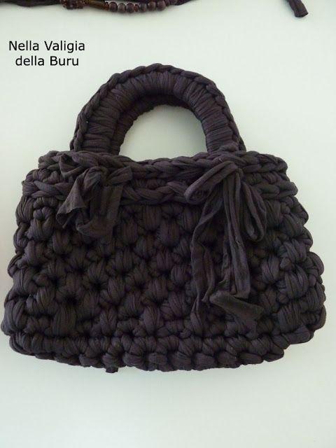 Nella valigia della Buru: TUTORIAL free per borse in fettuccia all'uncinetto fai…