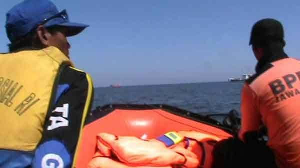 Cari Nelayan Hilang, Petugas Tim SAR Sisir Utara Perairan